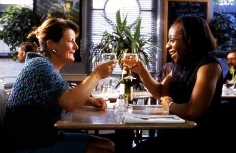 secrets-and-lies-1996-001-brenda-blethyn-marianne-jean-baptiste-toasting